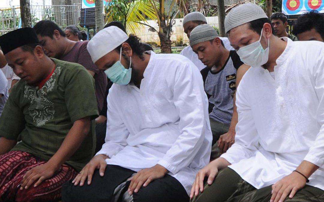"""Hukum Shalat Berjamaah ke Masjid di Masa """"New Normal"""""""